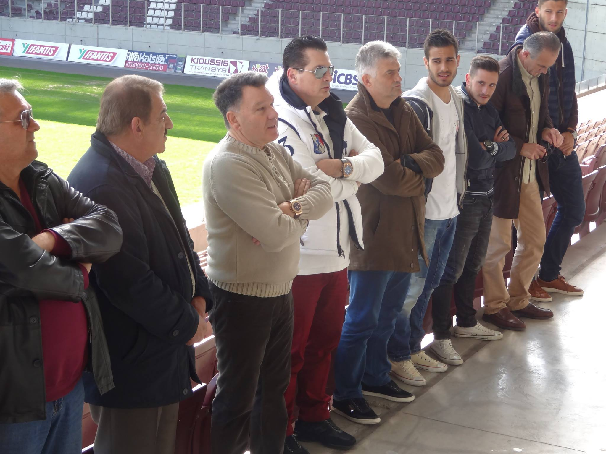 Εκδρομή σχολείων στο γήπεδο - Τους υποδέχθηκαν παίκτες και διοίκηση της ΑΕΛ 8a1fd64c3dd